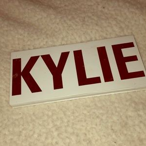 Discontinued Kylie Cosmetics Royal Peach Palette